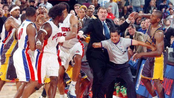 Detroit Pistons y los Indiana Pacers el 19 de Noviembre de 2004