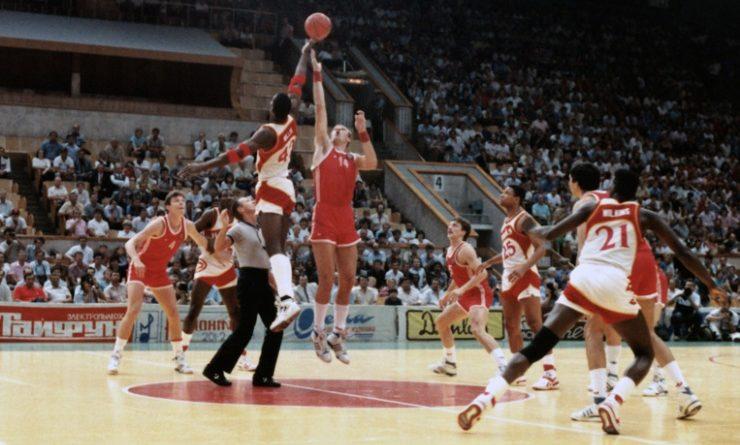 La gira de la NBA en la que los Hawks se enfrentaron a la URSS durante la Guerra Fría